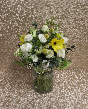 CANDY POSY IN VASE